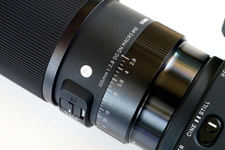 00_シグマ 105mm F28 DG DN MACRO Art製品画像_FP008689.jpg