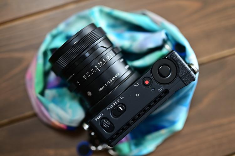 00_シグマ 35mm F2 DG DN Contemporary製品画像.jpg