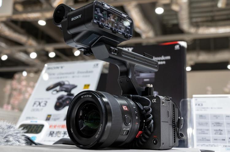 00_ソニー シネマカメラ FX3の製品画像.jpg