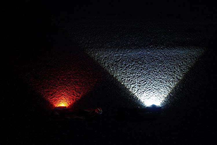 05_ライトの光り方の比較写真.JPG