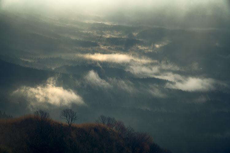 09_雲の隙間から差し込む光を撮影.jpg