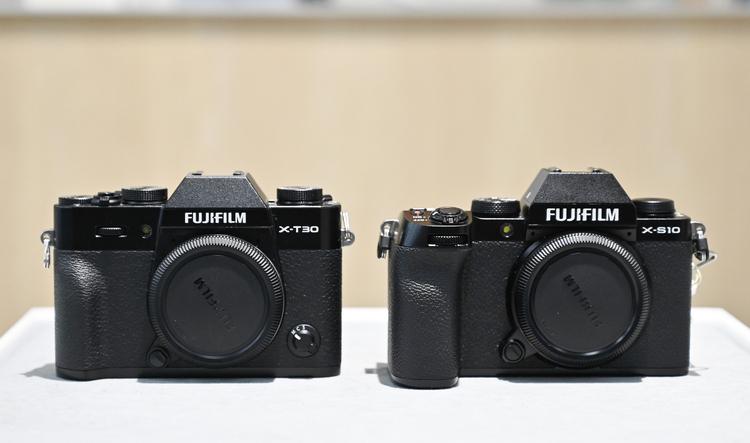 11_X-T30とX-S10の大きさ比較の画像.jpg