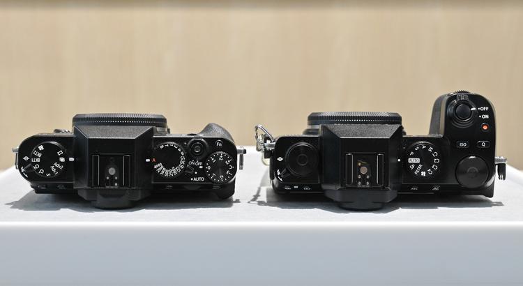 12_X-T30とX-S10の大きさ比較の画像.jpg