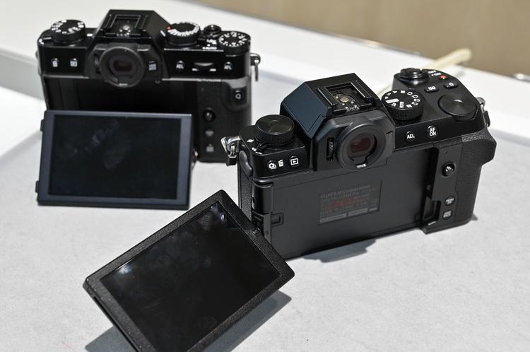 13_X-T30とX-S10の形状比較の画像.jpg