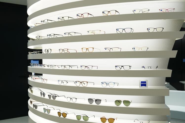 メガネの展示画像