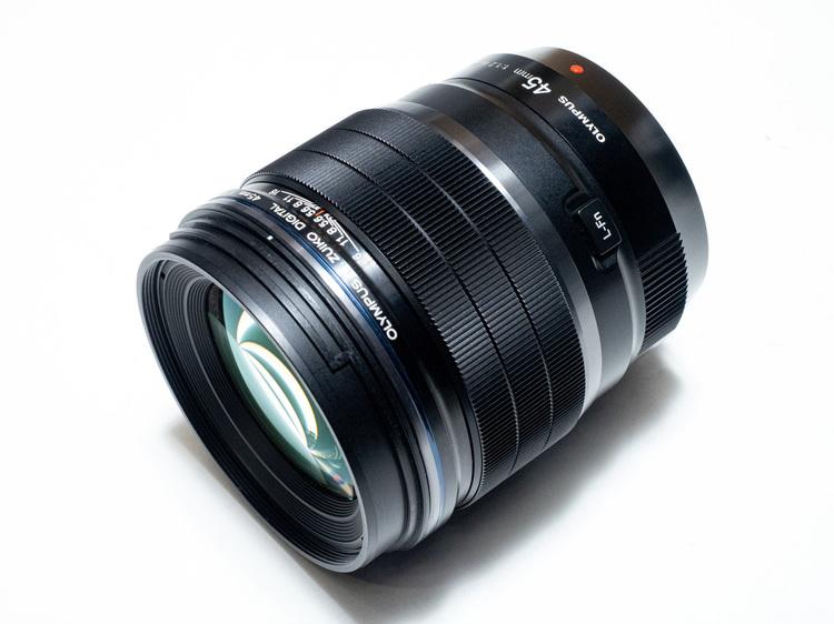 オリンパス MZUIKO DIGITAL ED 45mm F12 PRO製品画像.jpg