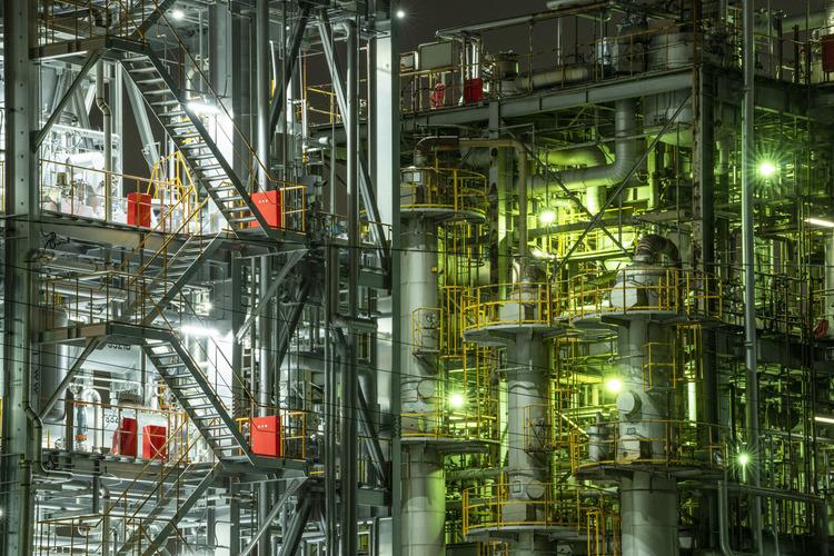 ソニーα7RIVで撮影した工場夜景.jpg