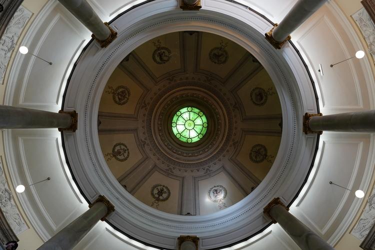 建物の天井を広角で撮影した画像.JPG