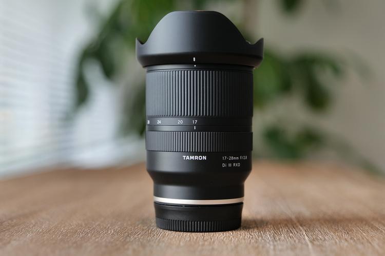 タムロン17-28mmコンパクト見出し.JPG