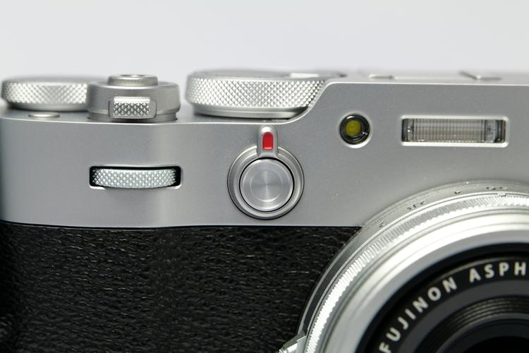 ファインダーレバーを撮影した写真.JPG