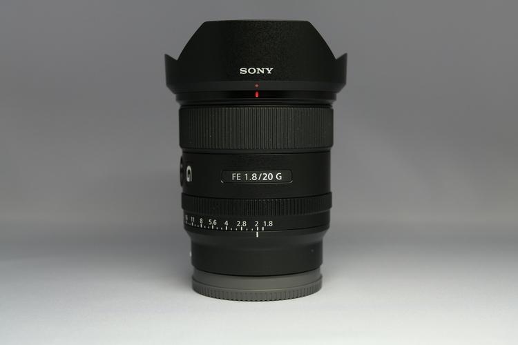 レンズフードを付けて正面から撮影した写真.JPG