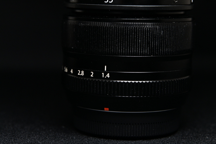 絞りリングを1.4に合わせて撮影した写真.JPG
