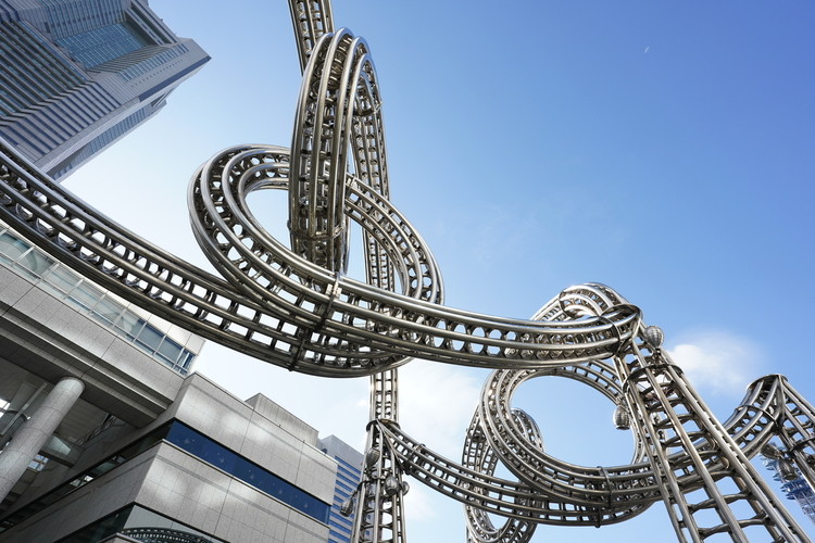 鉄のモニュメントを撮影した写真.JPG