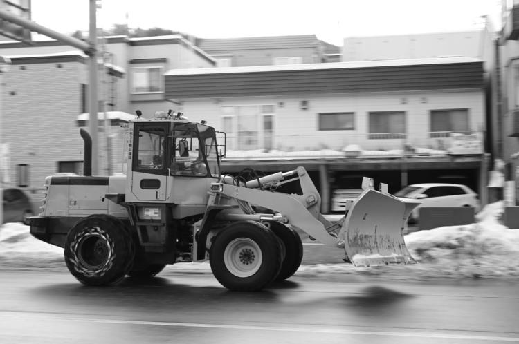 除雪車をモノクロで撮影した写真.JPG