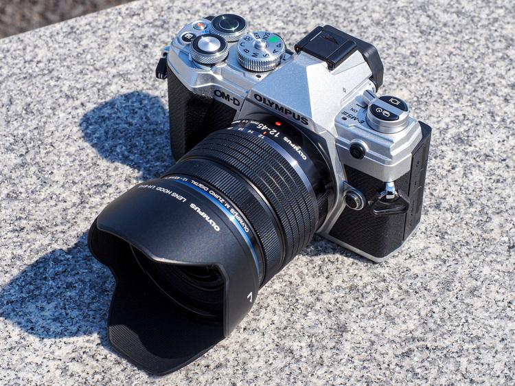 オリンパス M.ZUIKO DIGITAL ED 12-45mm F4.0 PROとE-M5 MarkIIIの組み合わせ