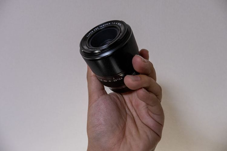 XF60mmF2.4 R Macroのコンパクトさ