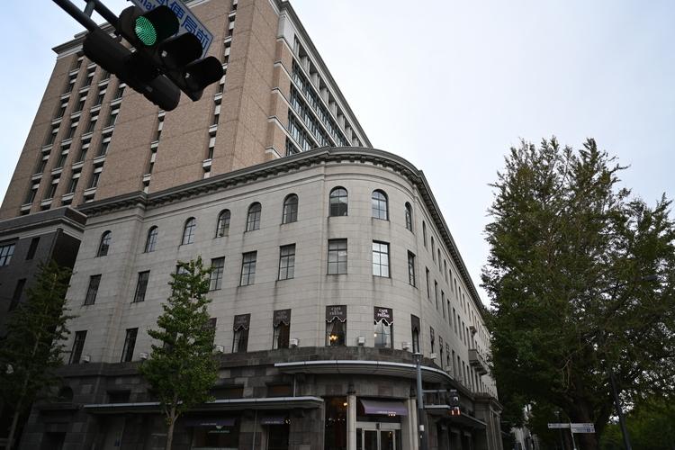 交差点での建物画像.JPG